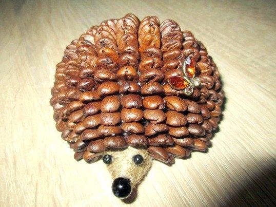 Ароматний їжачок з кавових зерен