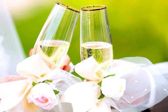 Що подарувати батькам на срібне весілля