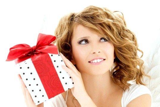Що подарувати жінці на 50-річчя