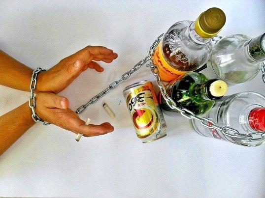 Що таке алкоголізм
