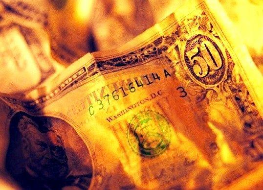 Чи повинні в магазині приймати пошкоджені гроші