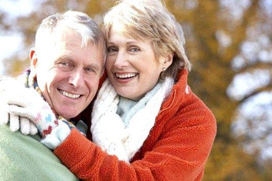 Де і як знайомитися одиноким людям після 50-и