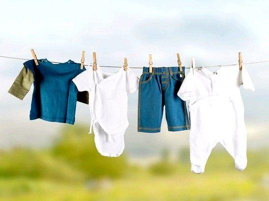 Як швидко висушити мокрий одяг