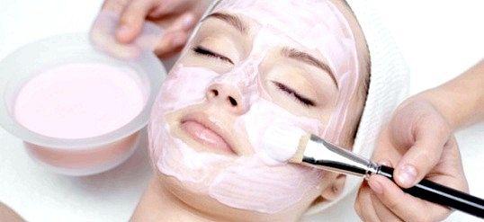 Як готувати маски для обличчя з рожевої глини