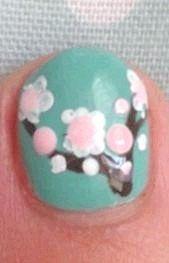 Як намалювати сакуру на нігтях