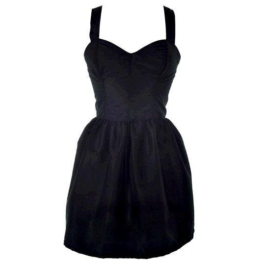 Як носити маленьке чорне плаття