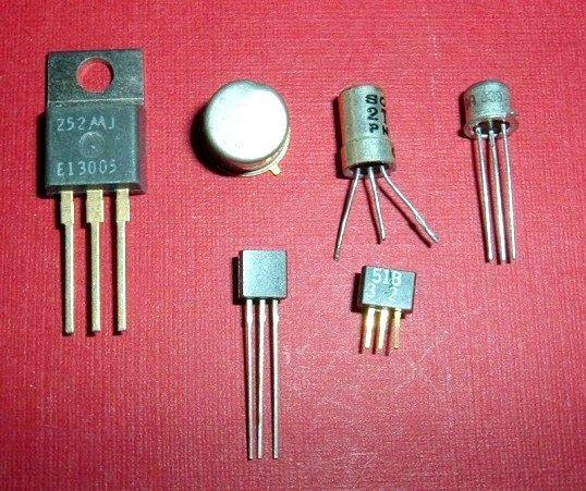 Як по транзистору визначити емітер-базу
