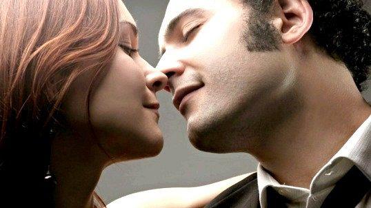 Як правильно цілувати хлопця