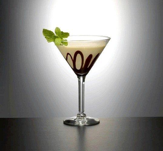 Як приготувати алкогольний коктейль зі згущеним молоком