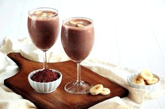 Як приготувати бананово-шоколадний коктейль