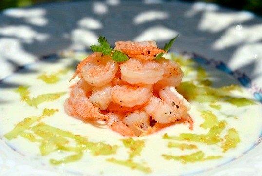 Як приготувати легкий салат з креветками