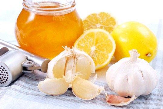 Як приймати суміш меду, лимона і часнику