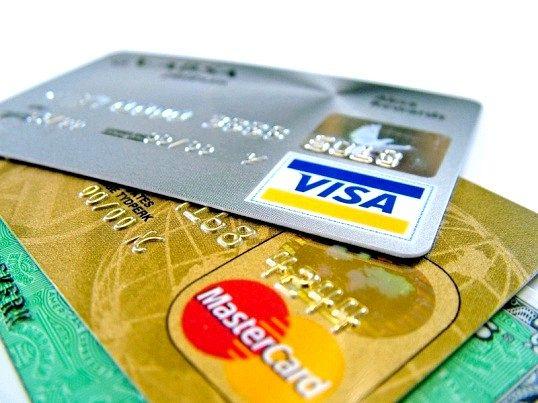 До рахунку PayPal можна додати неогрніченное кількість карт