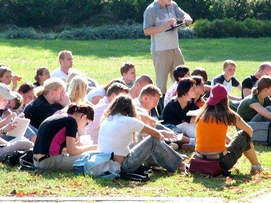 Як проходить студентське життя американських підлітків