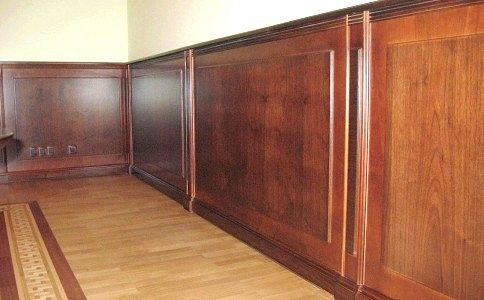Обшивка стін дерев`яними панелями
