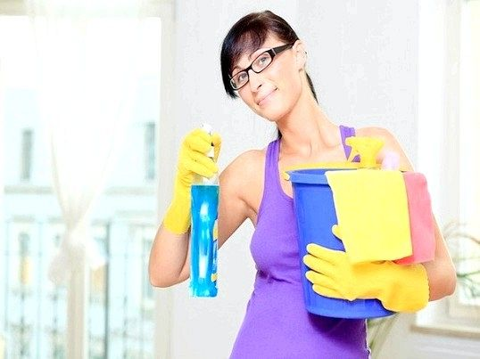 Як витрачати миючі засоби при прибиранні квартири