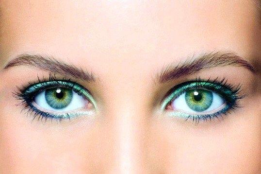 Як за допомогою макіяжу зробити очі більшими