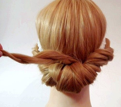 Як зробити грецьку зачіску?