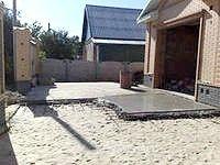 Як зробити вимощення для гаража