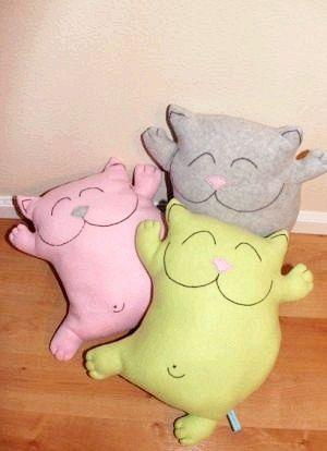 Як зробити подушку-кота