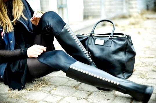 Як поєднувати чоботи та сумки