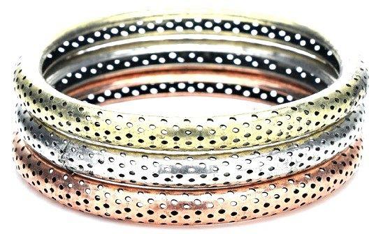 Як поєднувати прикраси з різних металів