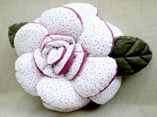Як зшити подушку-троянду