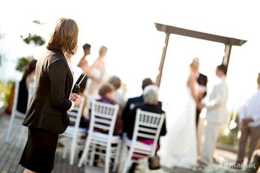 Як стати організатором весіль