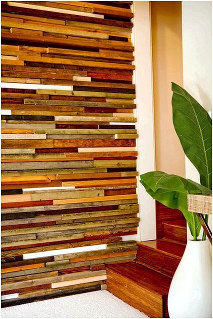 Як прикрасити стіну за допомогою шматочків дерева?