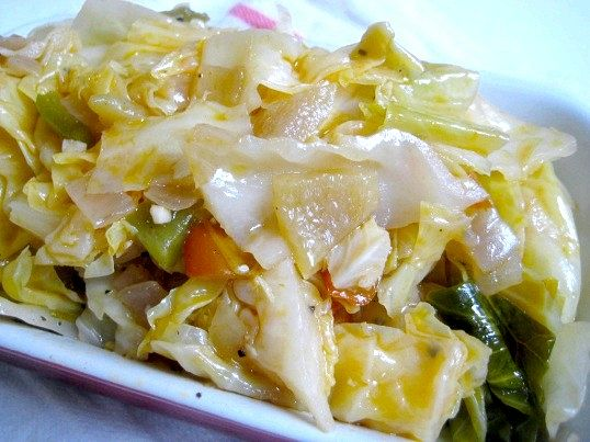 Як смачно приготувати тушковану капусту