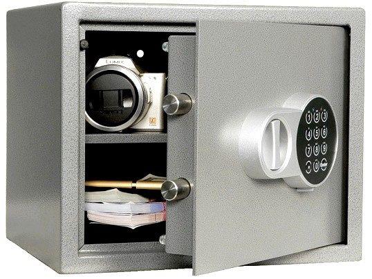 Як вибрати і встановити сейф для дому?