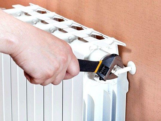 Як виганяти повітря з паливної системи