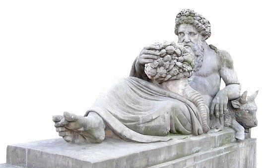 Які є божества морів в міфах стародавньої Греції