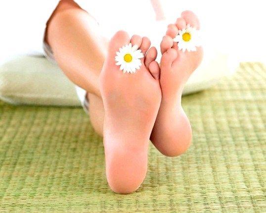 Які є народні засоби від грибка на ногах