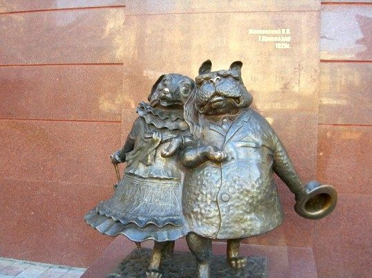 Які цікаві пам'ятники і незвичайні скульптури варто подивитися в Краснодарі