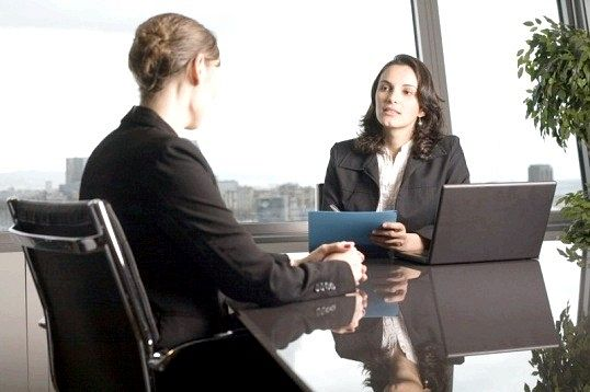 Які питання менеджерам задають під час співбесіди