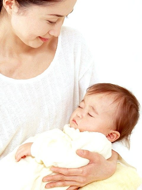 Яку одяг вибрати для новонародженого на виписку