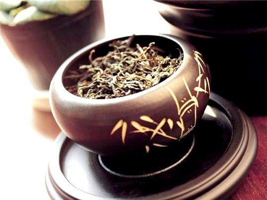 Маска для обличчя з чорного чаю