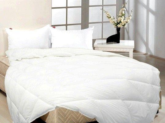 Ковдри та подушки з бамбука: особливості та переваги