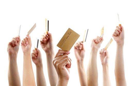 Оформлення кредитної картки через інтернет: простіше простого!