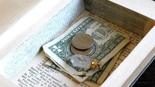 Падіння рубля в 2014 році або в чому зберігати гроші