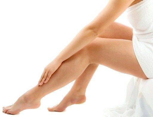 Чому опухають ноги трохи вище ступні