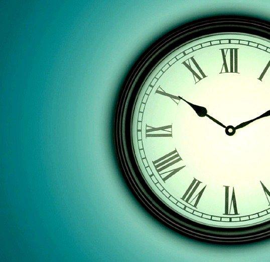 Чому скасовують переведення годинників на літній час