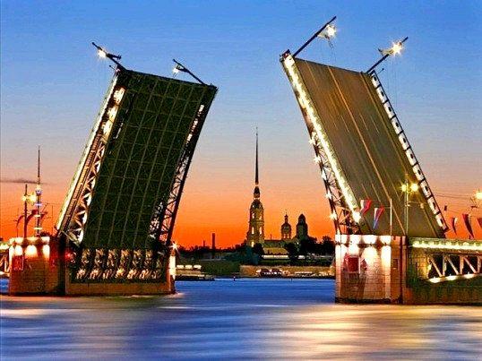 Чому санкт-петербург називають північною Пальмірою