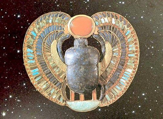 Чому в стародавньому Єгипті жук-скарабей вважався священним