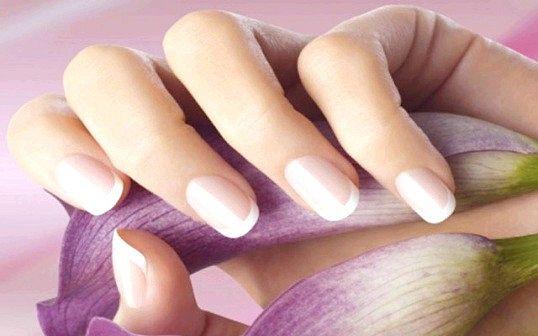 Підстригати нігті або підпилювати