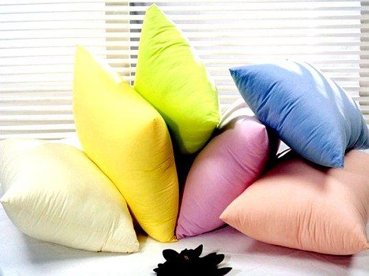Корисні подушки для сну: натуральні чи штучні наповнювачі?