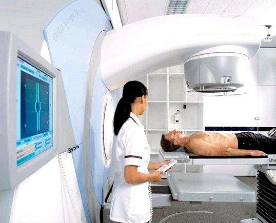 Рак товстої кишки: симптоми, діагностика та лікування