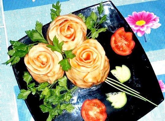 «Троянди» з тіста з начинкою