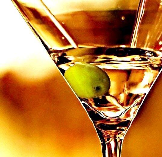 З чим краще пити мартіні